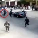 Intervention fulgurante des gardes du corps du roi Mohamed VI contre un personnage voulant lui délivrer un message.