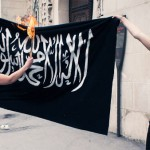 Aujourd'hui des femmes tunisiennes commettent un grand sacrilège devant la grande mosquée de Paris.