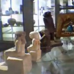 Une mystérieuse statue égyptienne qui tourne sur elle-même