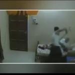 Un pauvre vieillard maltraitée pris par une camera cachée