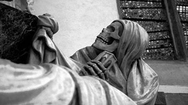 elle vit 3 ans avec le cadavre de sa m232re bouyafarcom