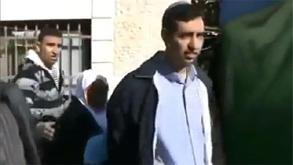 Palestine: Des juifs prennent leurs maisons par la force (Vidéo)