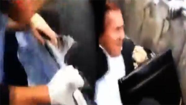Un député ukrainien jeté dans les ordures par une foule en colère
