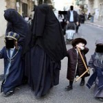 La Frumka, le niqab juif : elles portent l'étoile jaune pour ne pas être confondues avec les musulmanes !