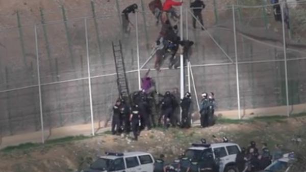 C'est ainsi que l'Espagne se défend contre les migrants subsahariens