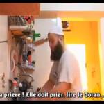 Tarik Ibn Ali montre aux hommes comment aider sa femme