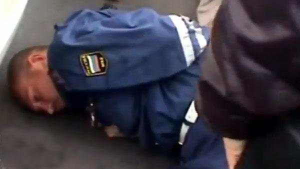 Russie:  Arrestation d'un policier pour corruption ( Vidéo )