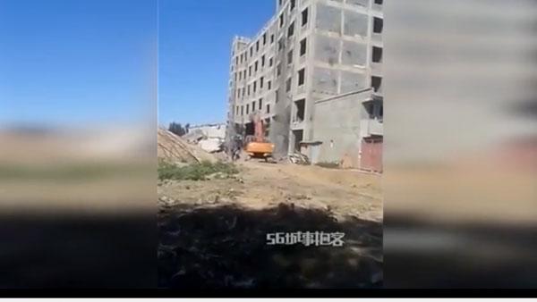 Un ouvrier détruit un immeuble par accident