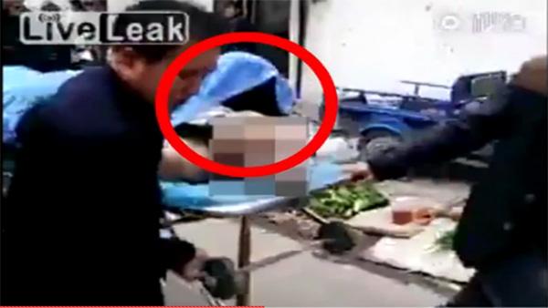 Il meurt en plein ébats sexuels avec une prostituée: Vidéo